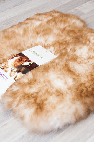 Image of Small pet bed sheepskin rug for cats or dogs