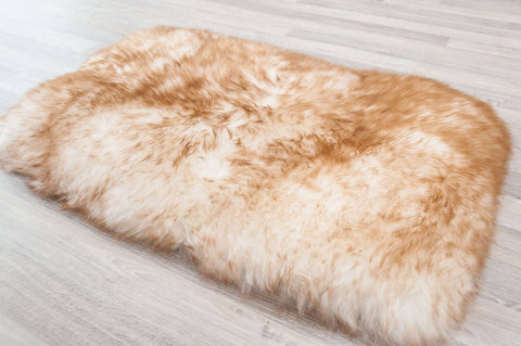Image of Medium Pet Sheepskin Bed - Lined Rectangle 35x55cm