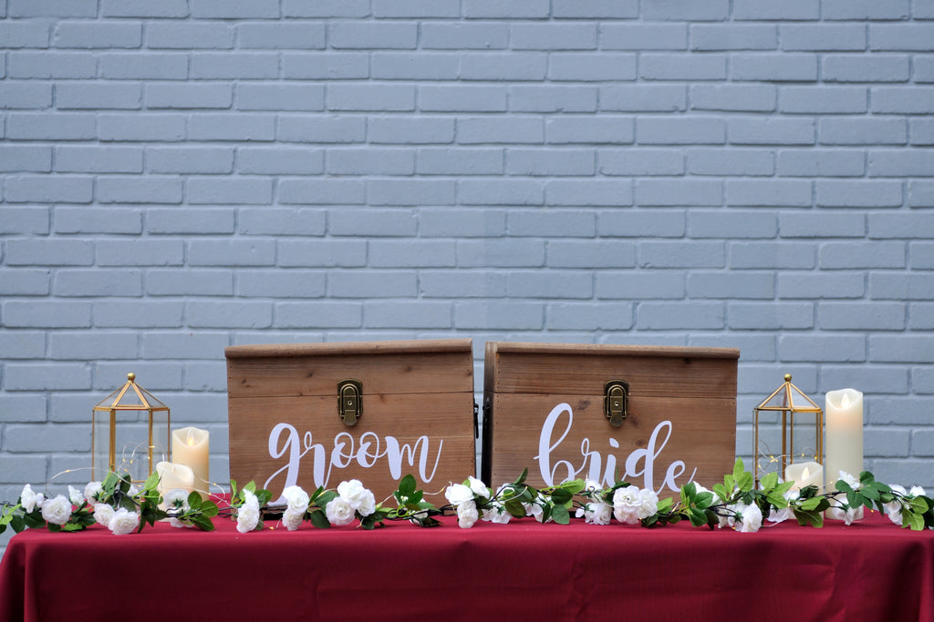 Burgundy Rustic Reception Table (2 ang bao box)