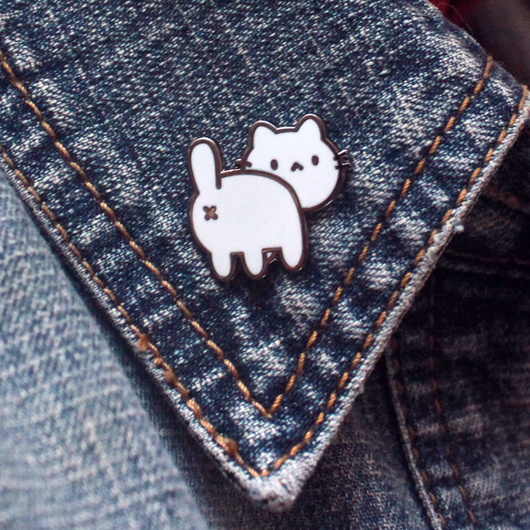 Cat Butt Pin - White