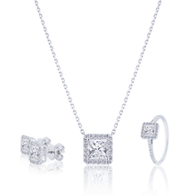 Halo Princess cut Diamond set in 18K White Gold 4.56CT