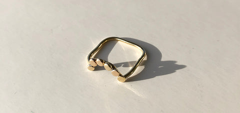 Dotted Ring Gold