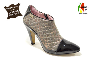 Women´s Black Patent and Padded Material Shoe with High Heel