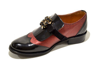 Women´s Burgundy Polish Leather Shoes with Flat Heel