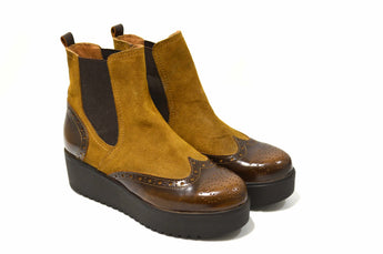Women´s Brown Leather Boots with Wedge
