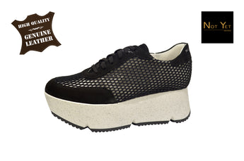 Sneaker Black Woman With White Plataform In Leather Made in Portugal
