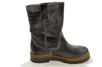 Women´s Black Leather with Wool Material Boot with Low Heel