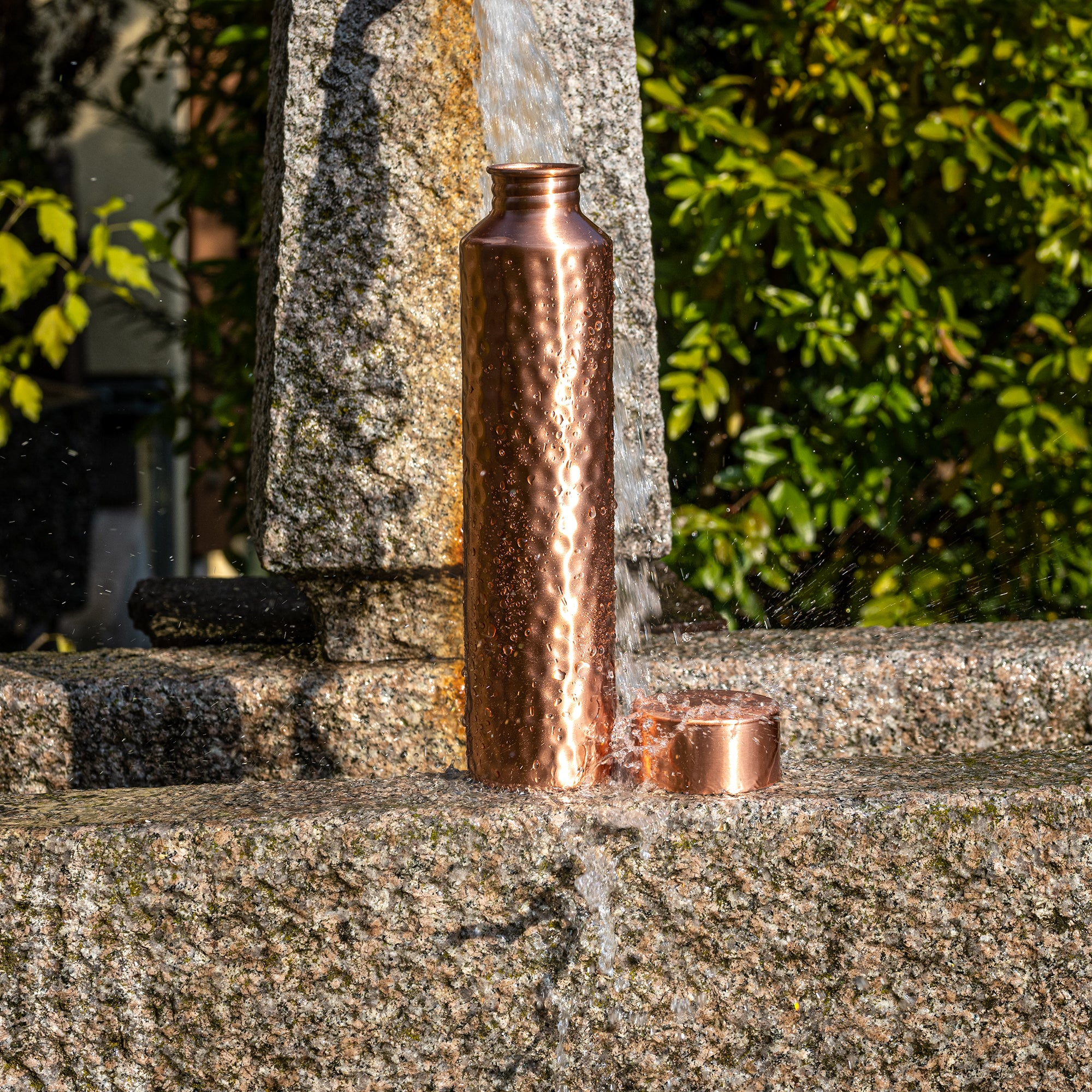 Kosdeg - Copper Water Bottle - Vintage Modern Hammered - 34 Oz/ 1L