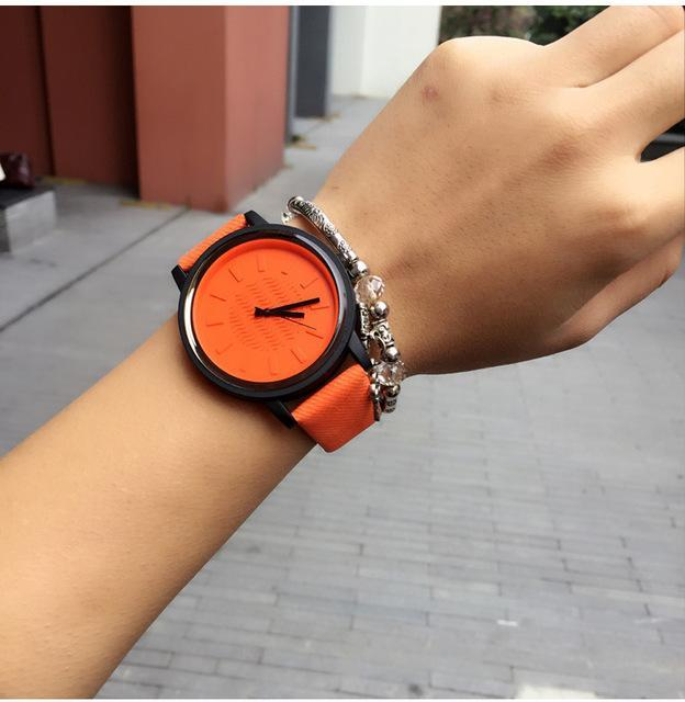 CLASSIC STYLE WOMEN LEATHER WATCHES