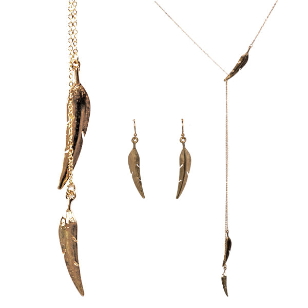 Zoey Metal Feather Y Necklace