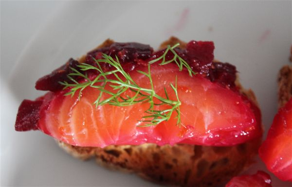 toast saumon gravlax betterave