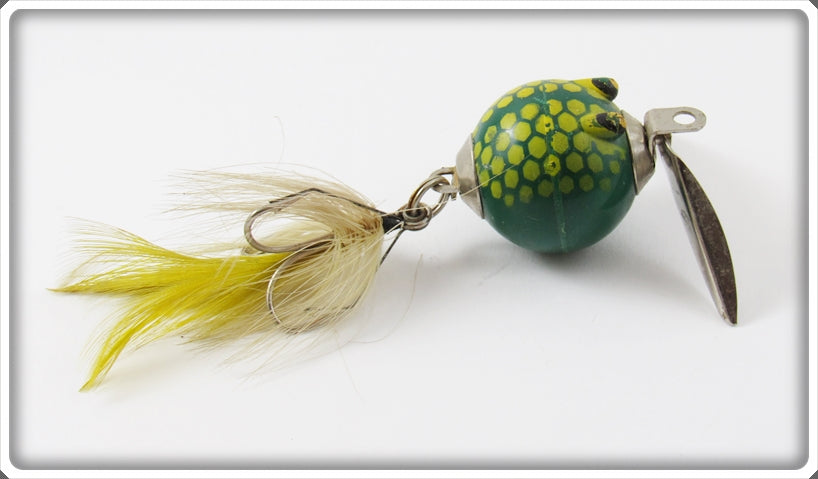 Vintage Worth Green Body Yellow Spots Flutter Fin Lure