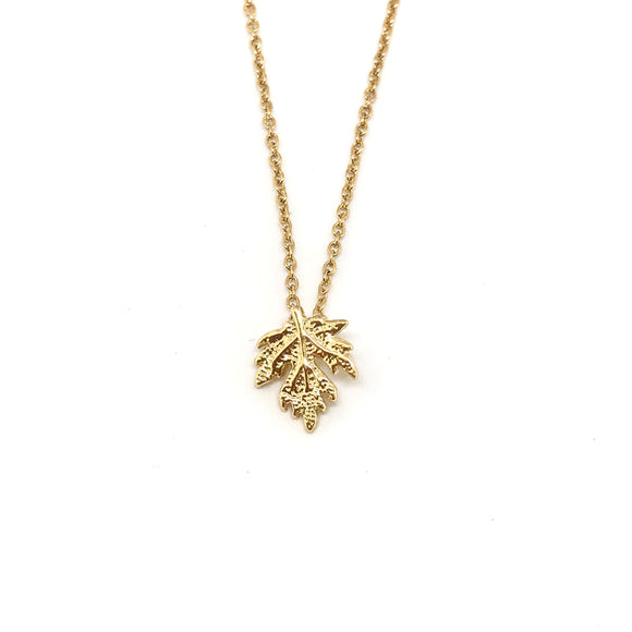 Tiny Maple Leaf Necklace - Dainty maple leaf pendant, Canadian maple leaf jewelry - Kurumidori
