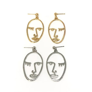 Wink girl face earrings in gold/silver - statement earrings
