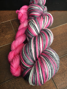 Sock Monkey In Love Self-Striping Sock Wool