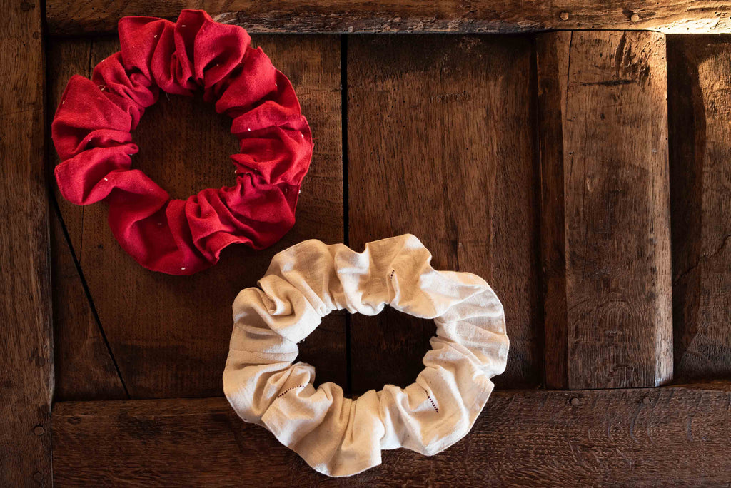 Scarlet organic cotton cloud scrunchies (Set of two)