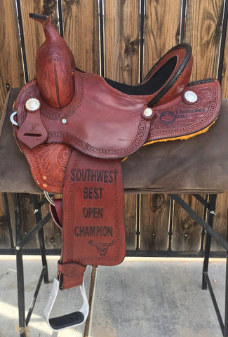 Maverick Trophy Barrel Saddle MSTBR-006
