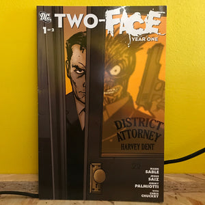 DC - Two Face: Year One - (1 of 2) - graphic novel