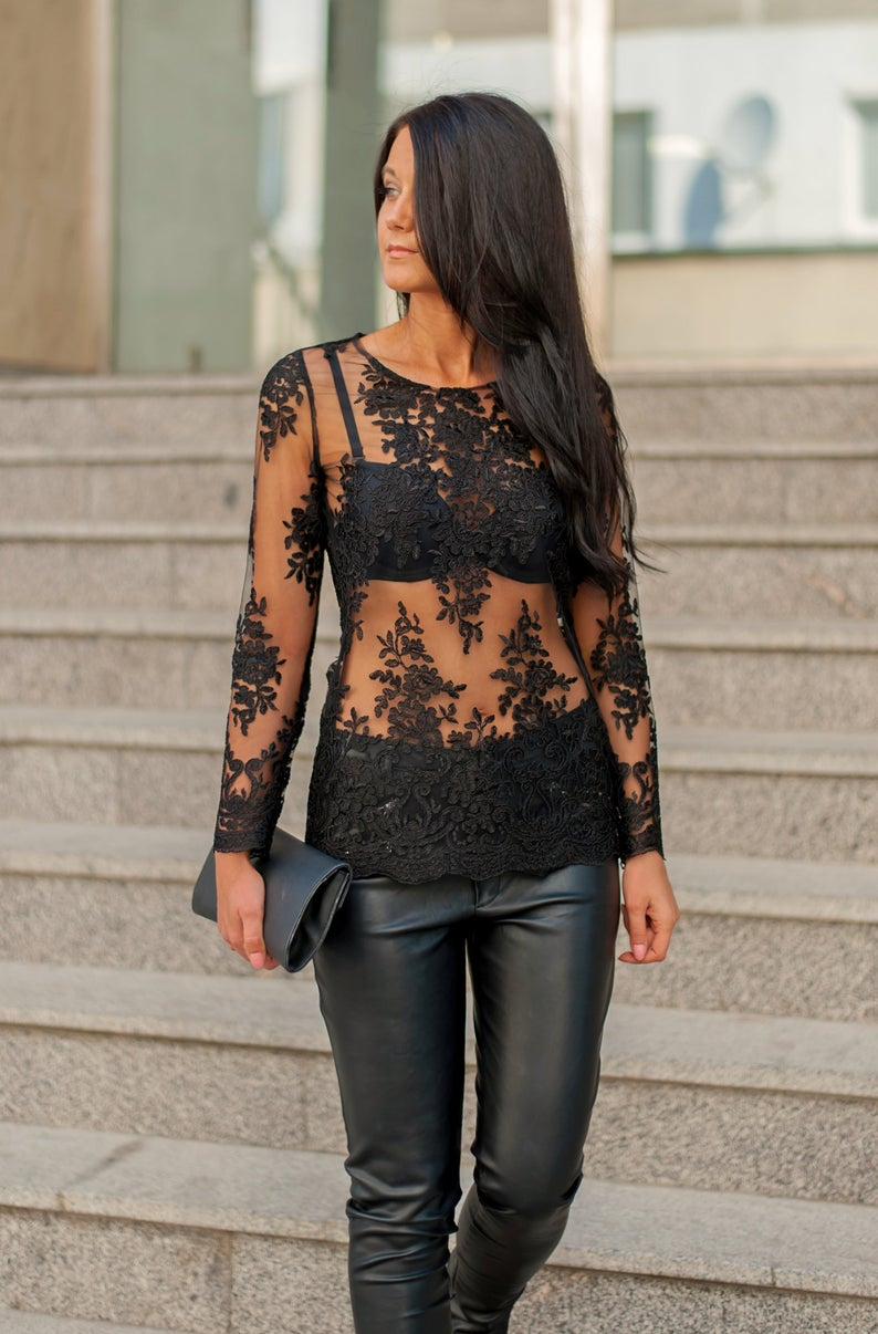 Long Sleeve Elegant Lace  Women's Blouses - Bomberish