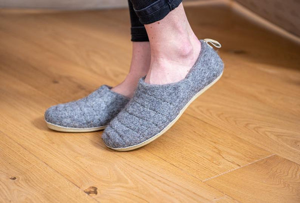 wool slippers COCOON with leather sole - Bomberish
