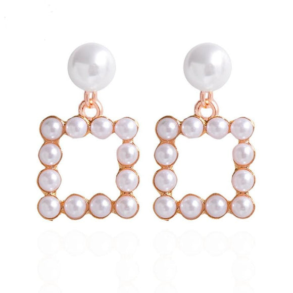 Cute & Casual Pearls Earrings