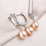 Adorable Jewelry Set made with Glittering Natural Pearls
