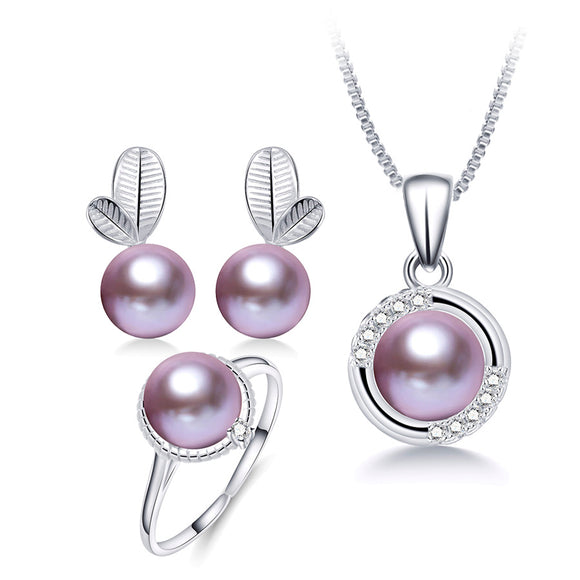 Fine & Stylish Jewelry Set made of S925 Silver and Stunning Natural Freshwater Pearls