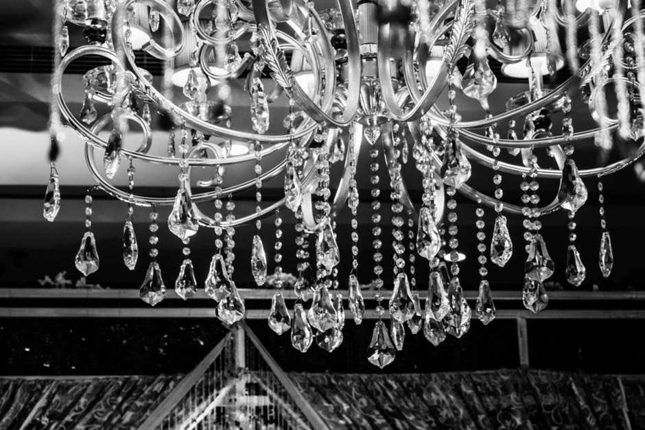 LUXURY CRYSTAL CHANDELIER: A BEAUTY FOR ALL HOMES