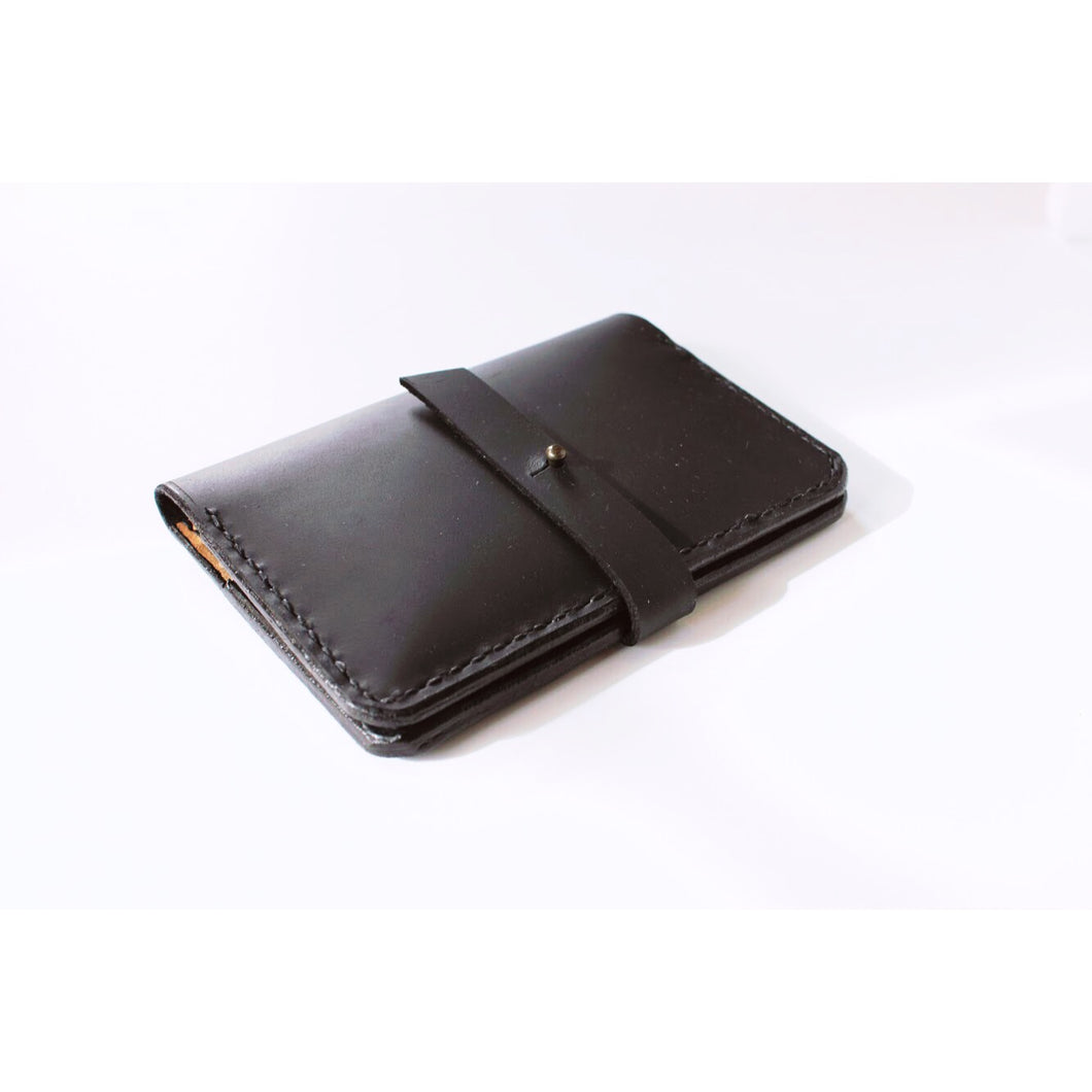 front view of the minimalist passport wallet