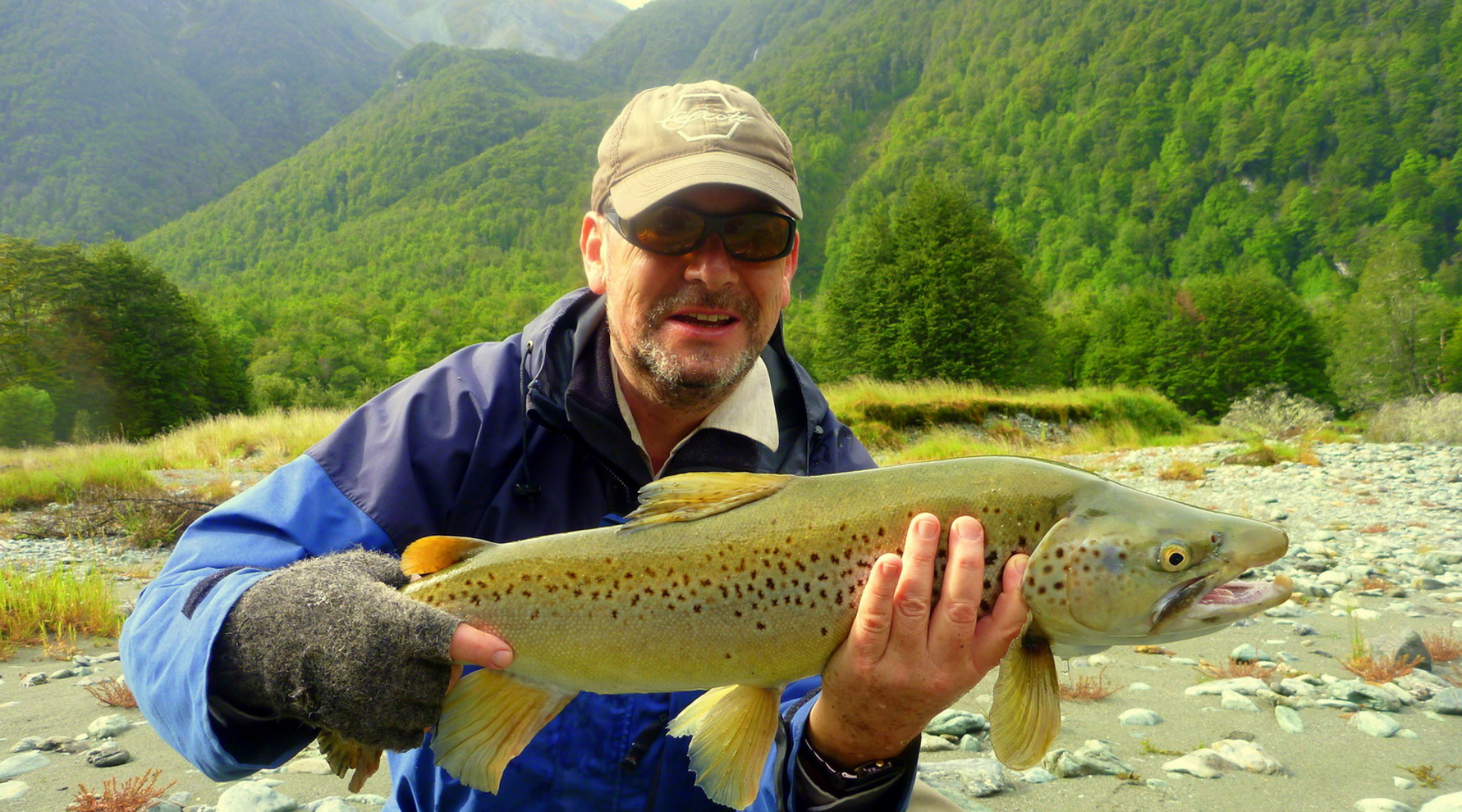 NEW List of Fly Fishing Blogs and Sites for Publishing Guest Posts wallpaper