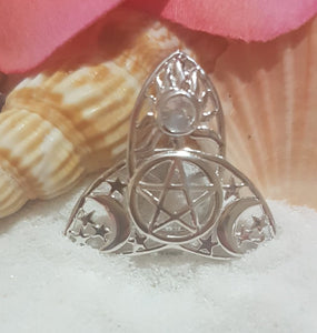 SS 925 Triquetra Cage Pendant with 1 Oyster Opening + bonus chain