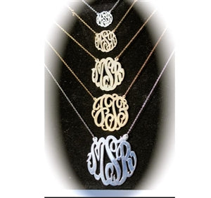 Script Split Chain Pendant Necklace