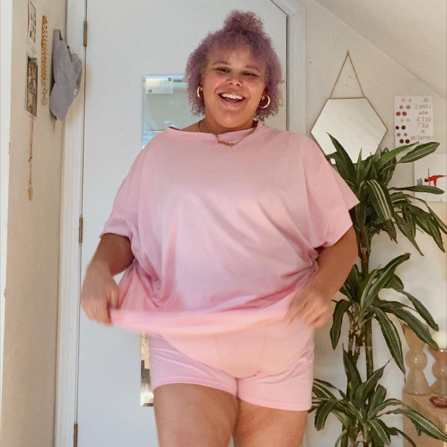 (Tatianna photographed at home in size XXXL/4XL.
