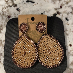 TREASURE BEADED EARRINGS/TAN
