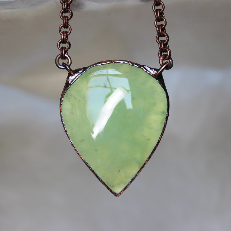 Big Prehnite Pendant Necklace