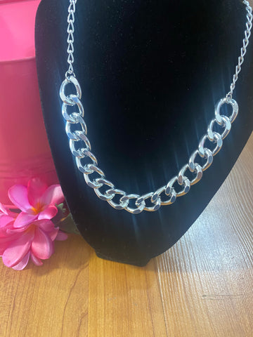 "Silvertone 21"" Link Chain Necklace"