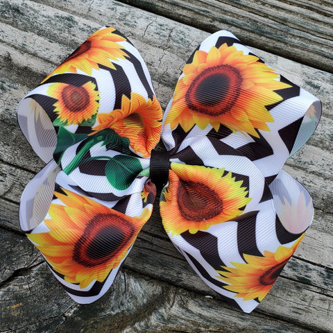 "White/Black Chevron Sunflower 6"" Hairbow"