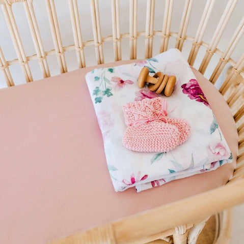 Lullaby Pink Bassinet Sheet | Change Cover