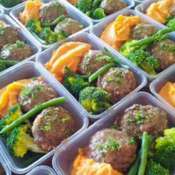 EAT REAL - GRASS FED aussie BEEF RISSOLES with MASH POTATO, ONIONS + GREENS ... (FROZEN)(500gms)