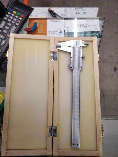 "6"" VERNIER Caliper 150mm comes with box"