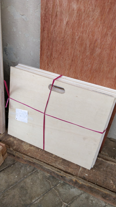 PLYWOOD WITH ROUND CORNER AND HANDLE