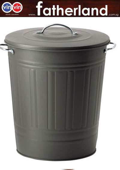 Knoop Covered trash metal bin