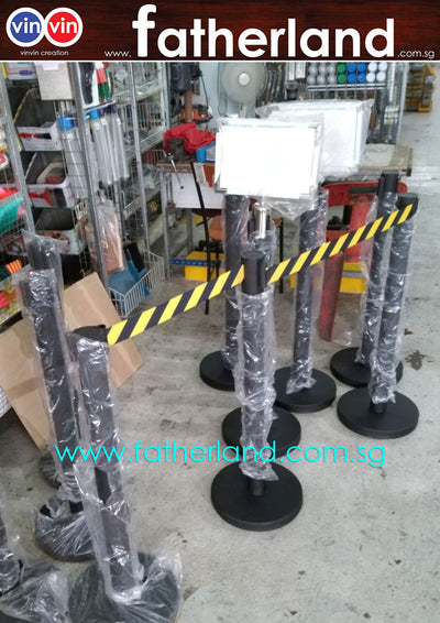 Queue Pole stand Black fixed base