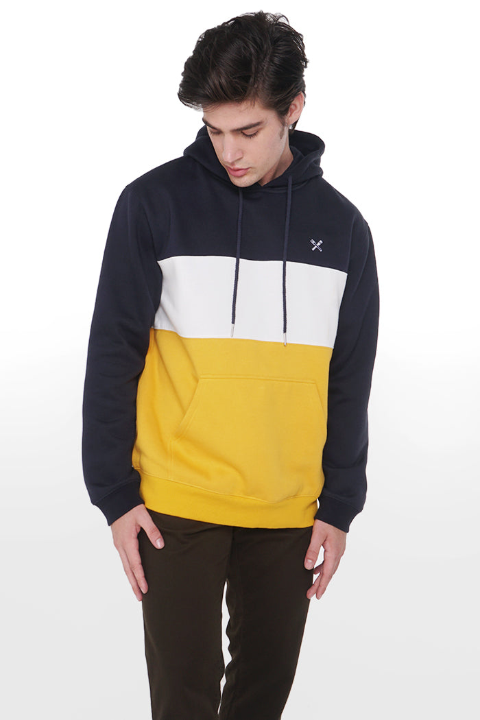 Relaxed Fit Pullover With Color Blocking