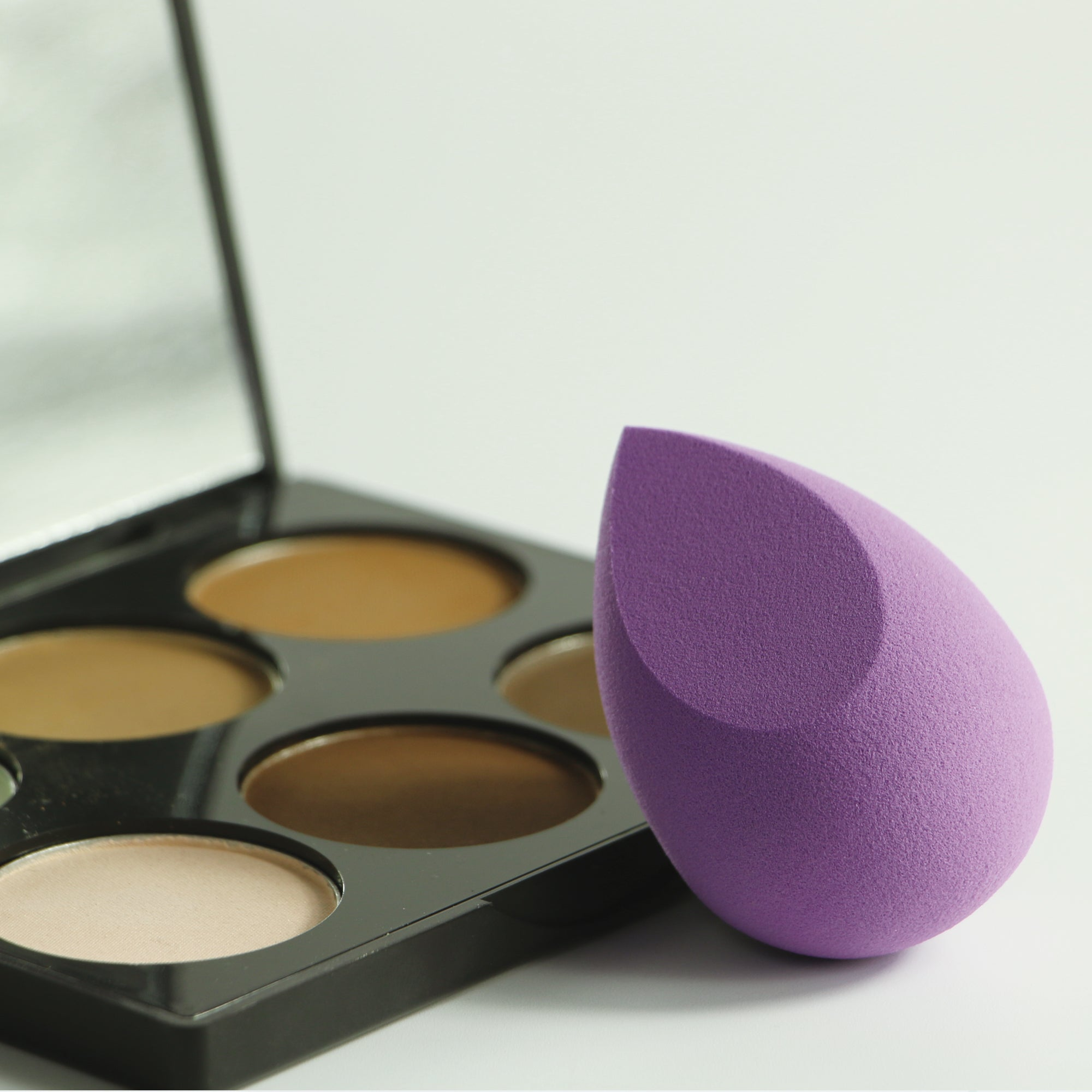 Heart-Shaped Blending Sponge