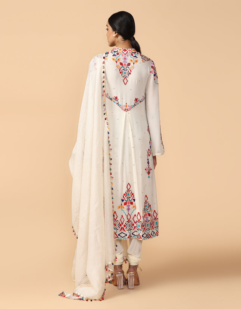 Thread Embroidered Classic Kurta With Churidar & Dupatta