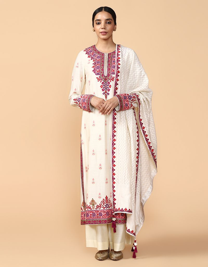 Classic Kurta Paired With Trouser And Dupatta