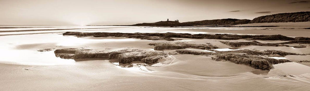 Dunstanburgh Castle from Embleton Bay Ref-PS2124