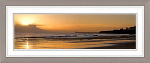 Tynemouth Longsands dawn Ref-PC80