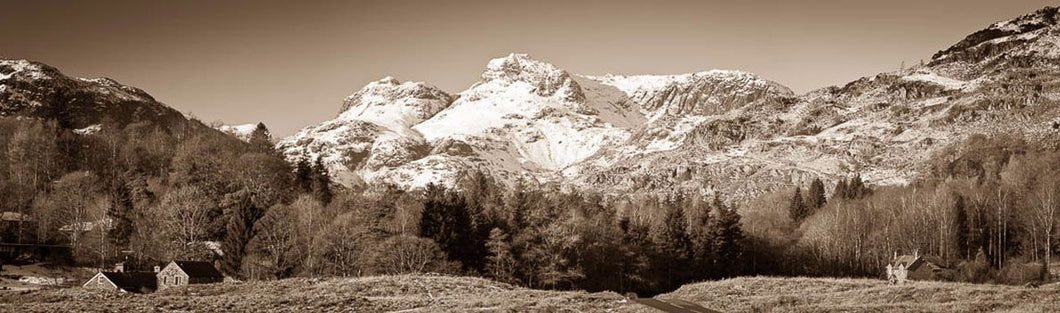 Langdale Pikes from Elterwater 1 Ref-PS313